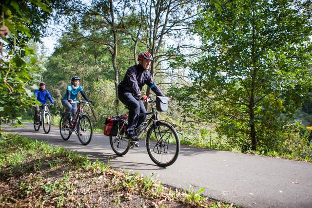 Radfahrer unterwegs auf dem Glan-Blies-Radweg