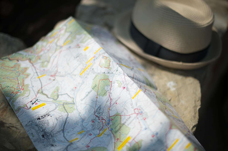 Wanderkarte mit Hut
