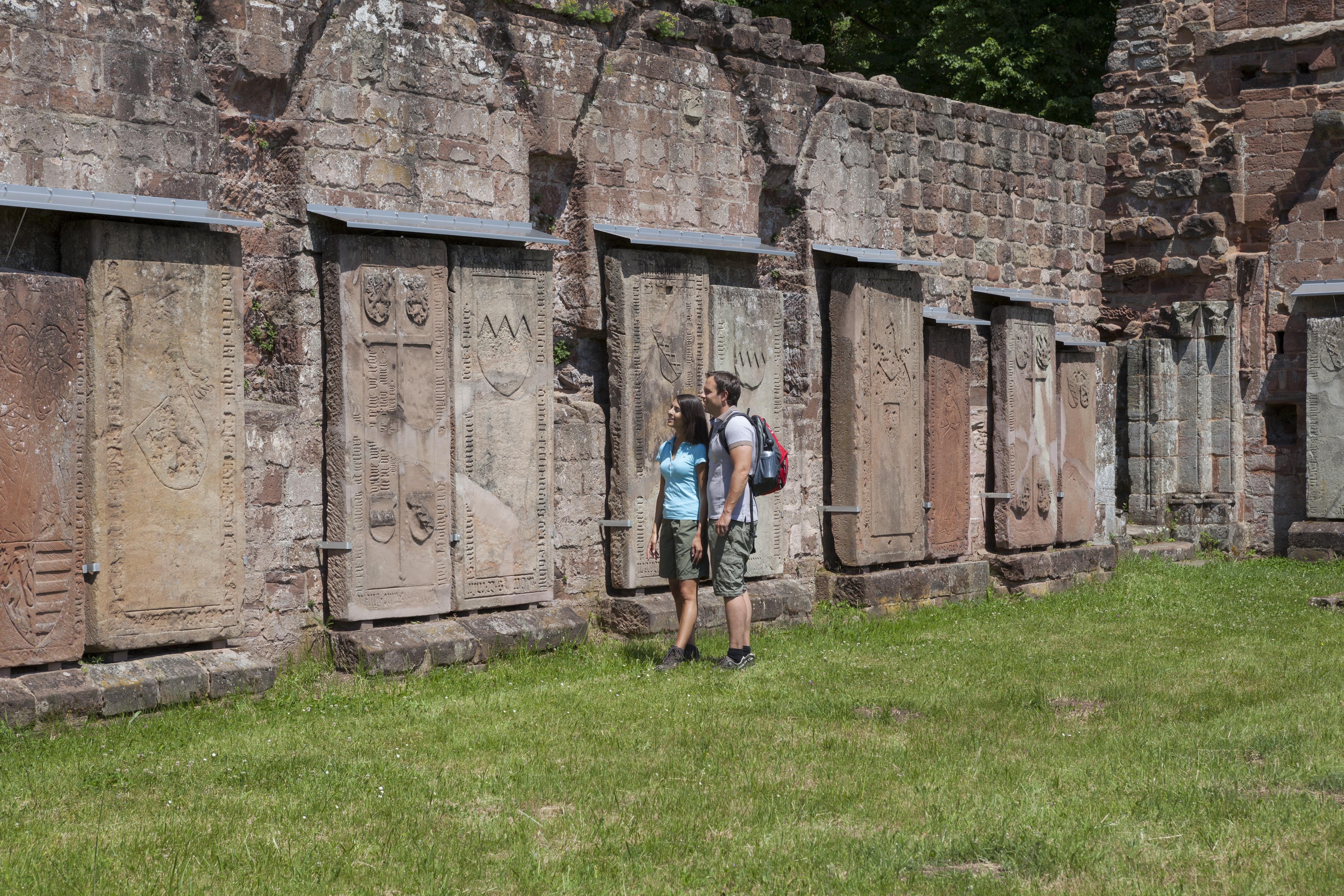 Führung an Klosterruine in Wörschweiler