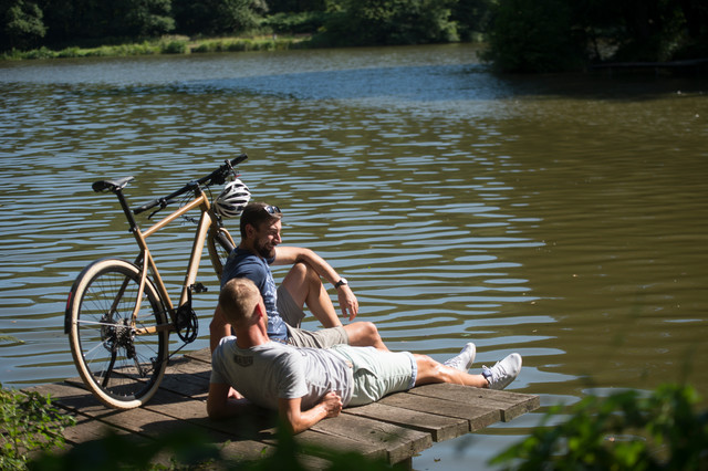 Radfahrer am Würzbacher Weiher