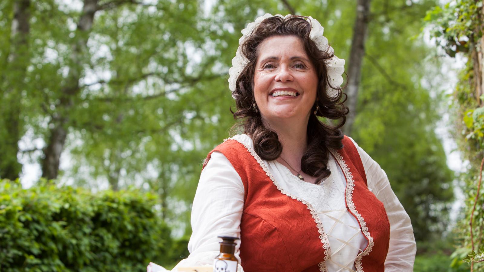 Kammerzofe Henrietta im Kostüm, Mord mit Aussicht