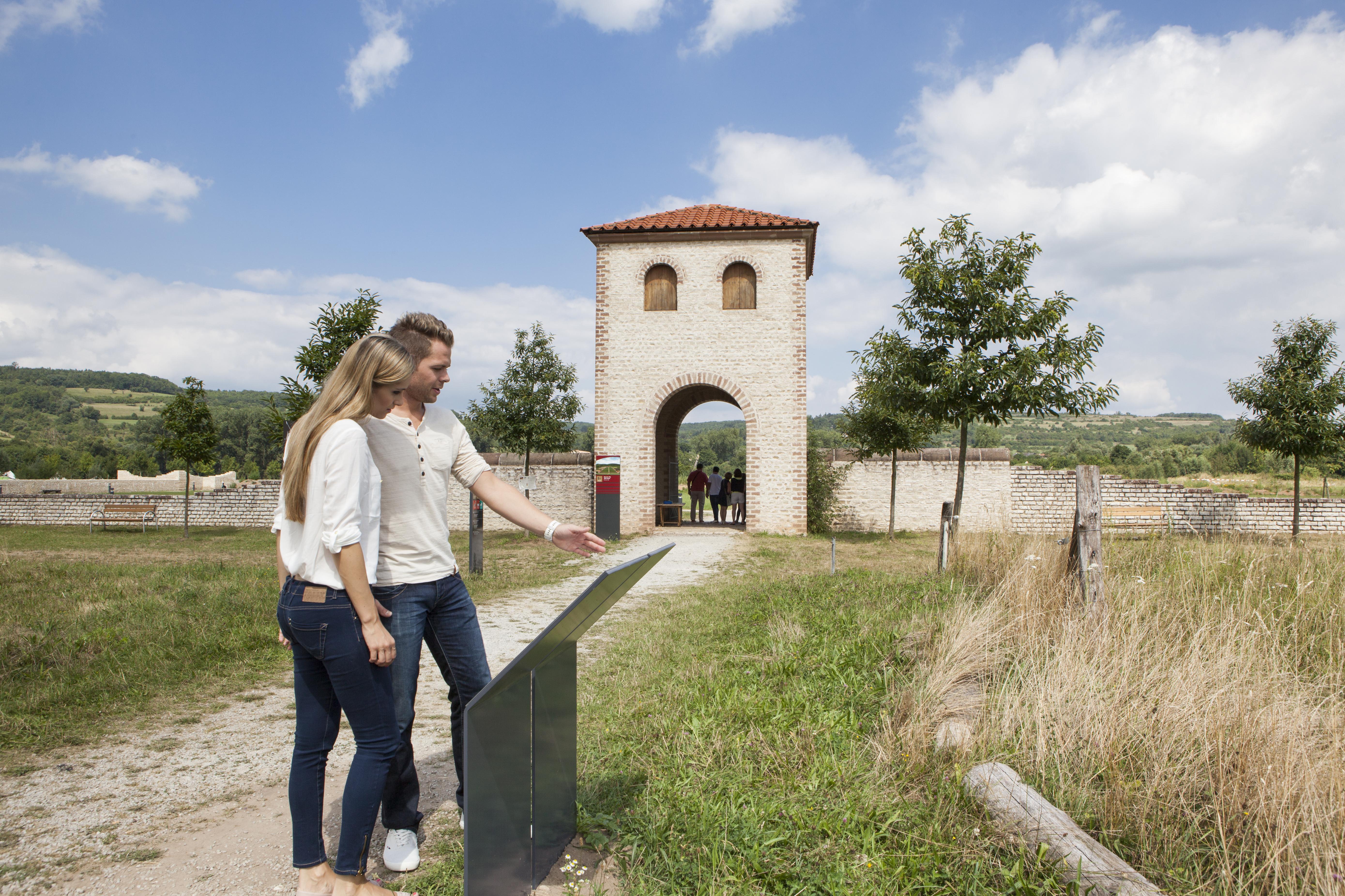 Besucher im Europäischen Kulturpark
