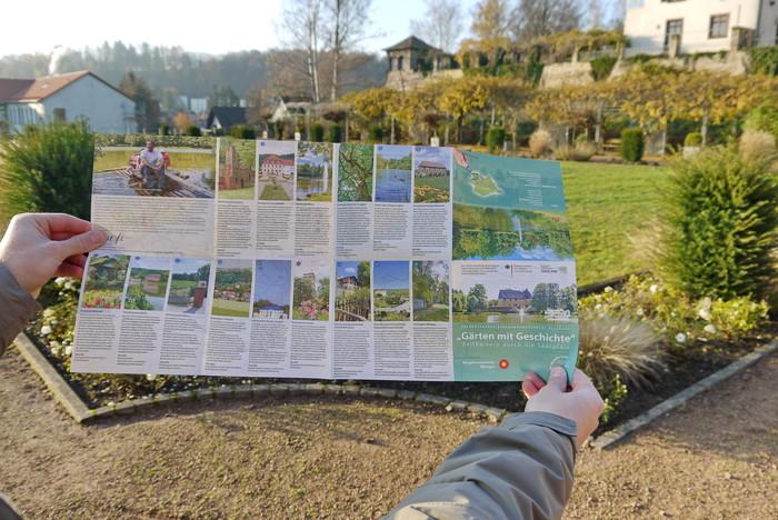 """Pressebild Faltkarte """"Gärten mit Geschichte"""""""